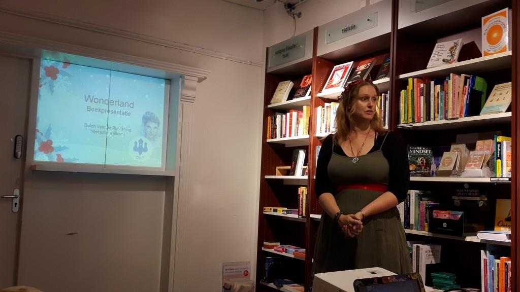 Interview met Jen Minkman, auteur, uitgever, vertaler en marketeer